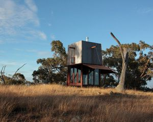 compact-house-in-australian-outback-1.jpg