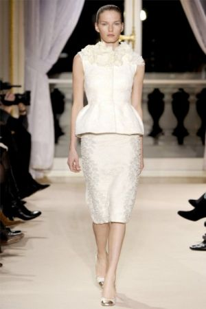 Black and white lusciousness - Giambattista Valli Spring 2012 Haute Couture.jpg