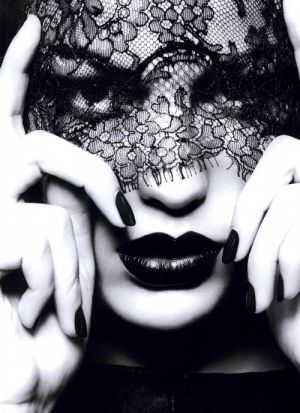 Black lace veil and luscious lips.jpg