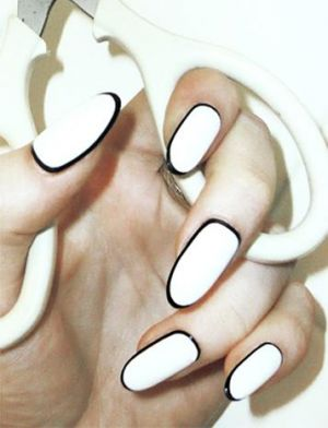 black and white outlined nails.jpg