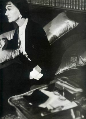 Coco Chanel - wikipedia coco chanel - inside her apartment.jpg