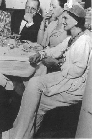 Coco Chanel photos - Older Coco Chanel pictures - Coco Chanel elegance.jpg