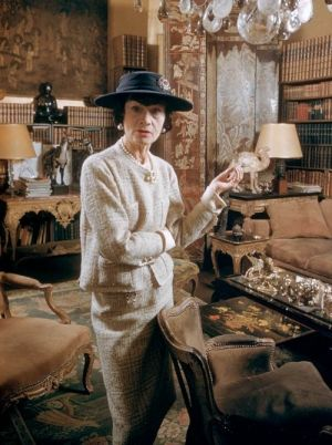 Older Coco Chanel pictures - Coco Chanel in her apartment in Paris.jpg