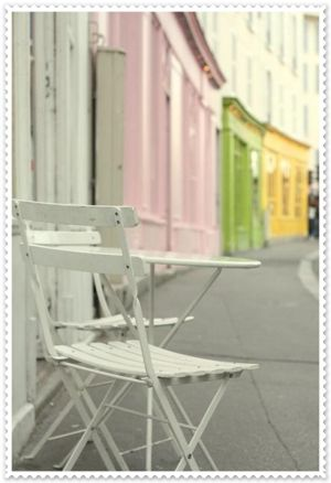 Chair and table on the street - www.myLusciousLife.com.jpg