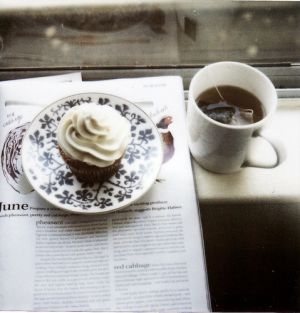 cupcakes-lovely-magazines-precious-tea.jpg