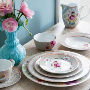 mylusciouslife.com - floral china.jpg