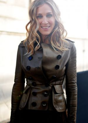 Sarah Jessica Parker in brown leather jacket.jpg