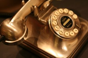 mylusciouslife.com - gold retro phone.jpg