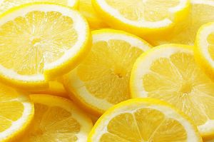 Sophisticated colour - www.myLusciousLife.com - slices of lemon.jpg