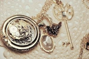 dress like a proper lady - jewelry key necklace owl vintage.jpg