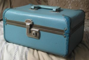 Vintage blue makeup case