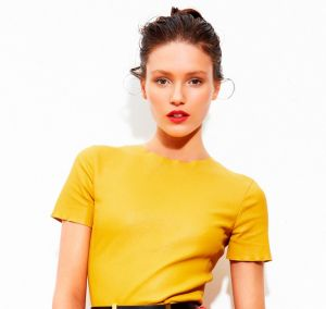 Cheery yellow - Australias Next Top Model - Amanda in yellow.jpg