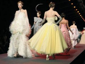 Christian-Dior-Haute-Couture-Paris-summer-2011-photo.jpg