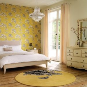Decorating with yellow - yellow-wallpaper_chandelier.jpg
