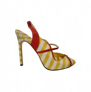 Light and bright yellow - manolo-blahnik-shoes-spring-summer-2011.jpg