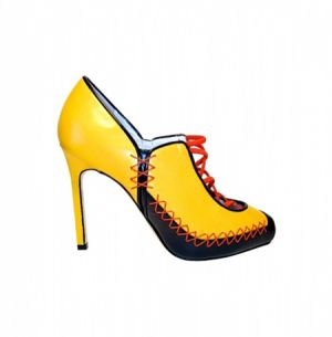 manolo-blahnik-shoes-spring-summer-2011-bright yellow.jpg