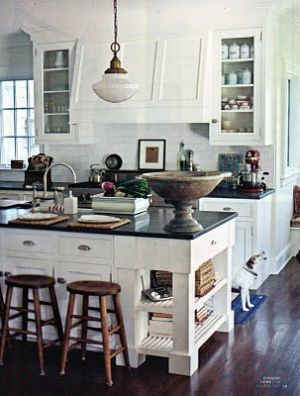Kitchen pictures - myLusciousLife.com - kitchen island light trad.jpg