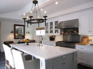 White kitchen via hookedonhouses.jpg