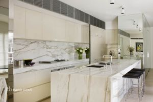 david hicks white kitchen - Kitchen ideas - myLusciousLife.com.jpg