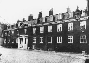 Kensington Palace pictured here in 1961.jpg