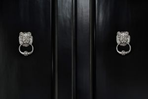 Black door and door handle image - Elizabeth Kimberly.jpg