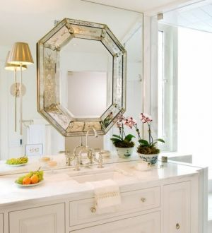 Decorating with mirrors - www.myLusciousLife.com - Glass-Accents.jpg