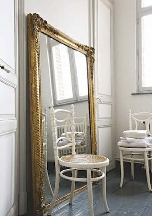 Decorating with mirrors - www.myLusciousLife.com - gilt-mirror.jpg
