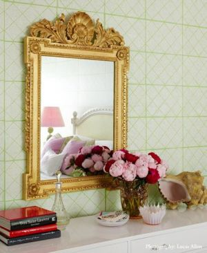 Mirror decoration - www.myLusciousLife.com - Luscious mirror and flowers.jpg