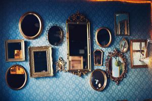 Stylish home - www.myLusciousLife.com - multiple mirrors together.jpg