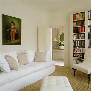 White decor - www.myLusciousLife.com - Living room.jpg