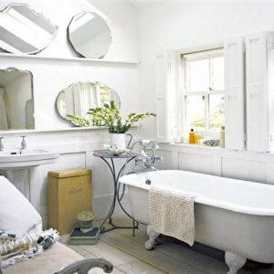 White decor - www.myLusciousLife.com - White bathroom.jpg