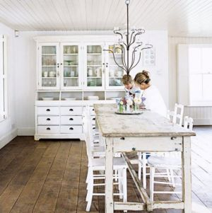 White decor - www.myLusciousLife.com - White kitchen dining area.jpg