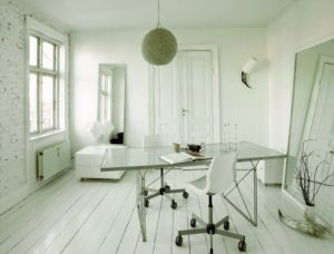 White decor - www.myLusciousLife.com - White room via boligmagasinet.jpg