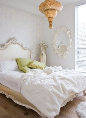 houseandhome.com Wallpapered Rooms - bedroom.jpg