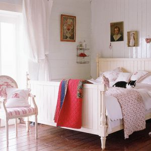 photos of pink furniture - myLusciousLife.com - Bedroom.jpg