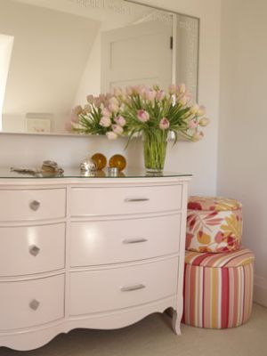 pink decorating ideas - myLusciousLife.com - Sarahs House - season1 -childs room.jpg