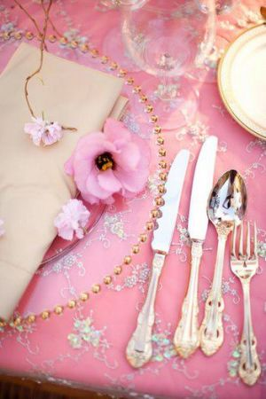 pink decorating ideas - myLusciousLife.com - pretty in pink.jpg