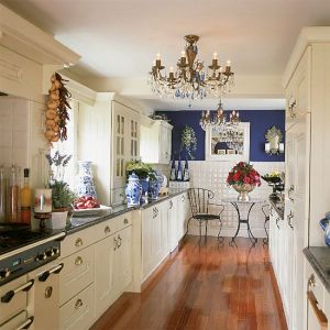 Beautiful houses and gardens - Kitchens color - www.myLusciousLife.com.jpg