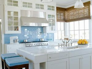 Beautiful houses and gardens - colorful kitchens - www.myLusciousLife.com.jpg