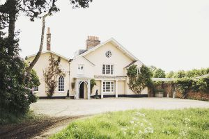 india hicks - the grove oxfordshire uk - exterior.jpg
