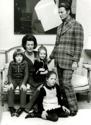 David Pamela Ashley Edwina India Hicks - family photo.jpg