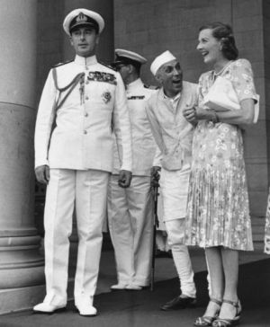 Edwina and Louis Mountbatten with Nehru in India.jpg