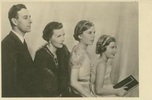 Lord and Lady Louis Mountbatten with daughters Patricia and Pamela.jpg