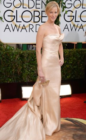 2014 Golden Globes - Red Carpet - Anna Gunn