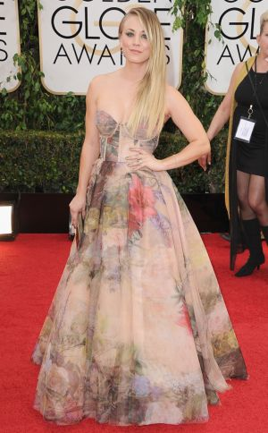 2014 Golden Globes - Red Carpet - Kaley Cuoco