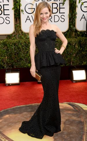 2014 Golden Globes - Red Carpet - Leslie Mann