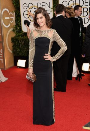 2014 Golden Globes - Red Carpet - Lizzy Caplan