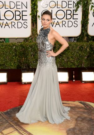 2014 Golden Globes - Red Carpet - Mila Kunis