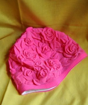 hot pink retro swimming cap - www.myLusciousLife.com.jpg