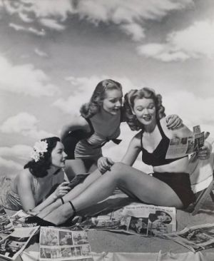 vintage swimming photos - www.myLusciousLife.com - Philippe Halsman 1940s.jpg